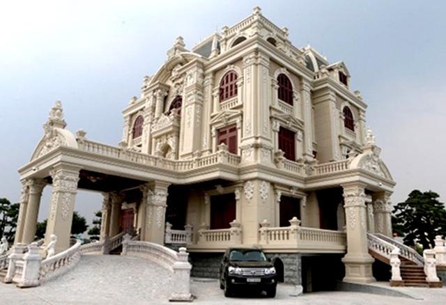 Lâu đài của đại gia Việt: Dát vàng 24k, xây cả nhà hát tráng lệ bên trong - 12