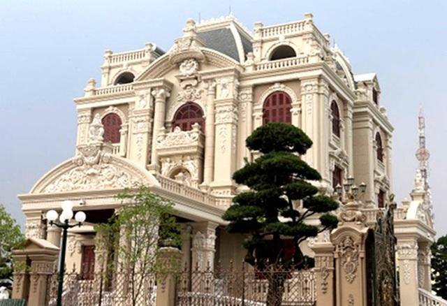 Lâu đài của đại gia Việt: Dát vàng 24k, xây cả nhà hát tráng lệ bên trong - 13