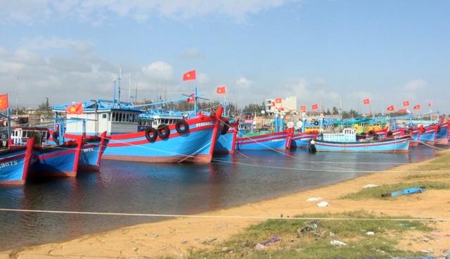 Phú Yên: Lạch biển bồi lấp nghiêm trọng, ngư dân khốn đốn  - 4