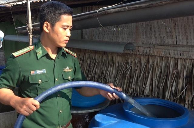 Cấp tốc đưa nước sạch cứu 8000 hộ dân bị xâm nhập mặn - 3