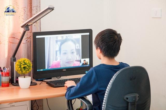Bộ Giáo dục: Phí học online do nhà trường và phụ huynh tự thỏa thuận - 1