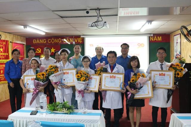 Hai thầy thuốc trẻ 3 lần được trao giải thưởng Phạm Ngọc Thạch - 2