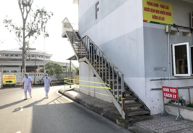 Bí thư Vương Đình Huệ kiểm tra công tác phòng, chống Covid-19 tại bệnh viện - 3