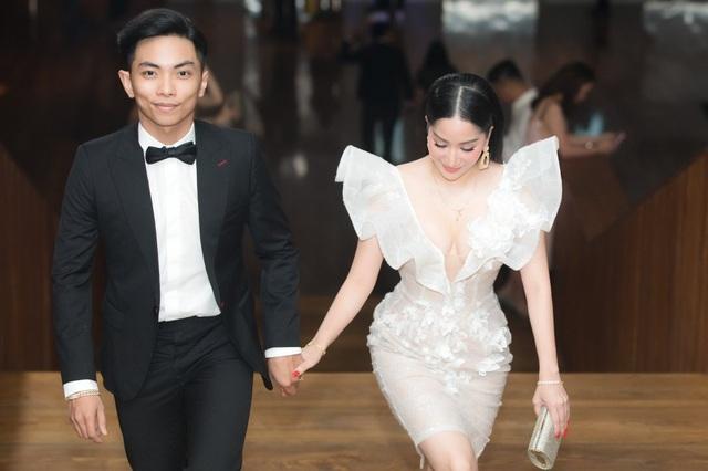 """Phan Hiển: """"Vợ chồng phải chịu đựng nhau mới có thể sống với nhau"""" - 3"""