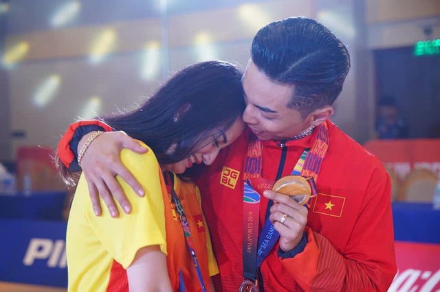 """Phan Hiển: """"Vợ chồng phải chịu đựng nhau mới có thể sống với nhau"""" - 7"""