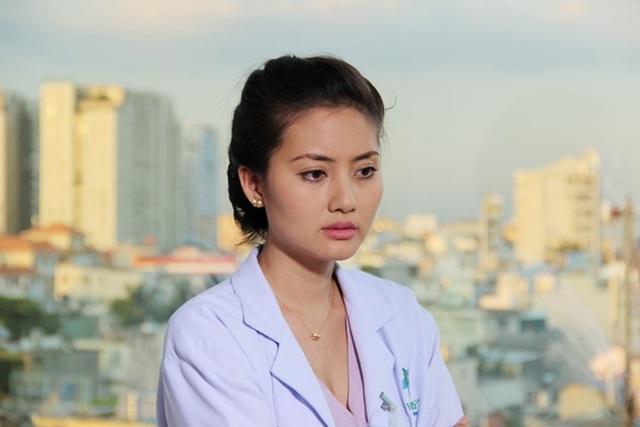 Ngắm Việt Anh, Nhã Phương, Việt Hương và loạt sao hoá thân thành bác sĩ - 19