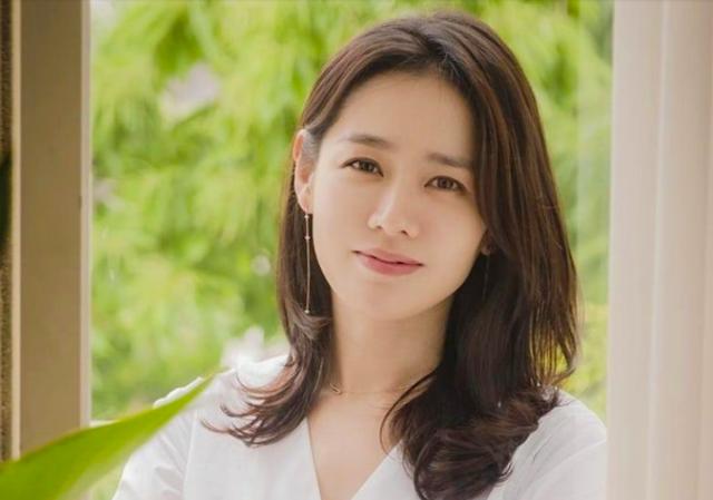 Giới nghệ sĩ Hàn tích cực ủng hộ bệnh nhân Covid-19 - 2