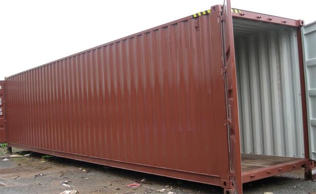 Độc đáo ngôi nhà làm bằng container giữa trung tâm phố thị  - 1