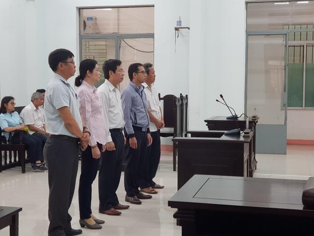 Phó Chủ tịch TP Nha Trang Lê Huy Toàn bị tuyên 9 tháng tù - 1