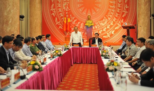 Phó Thủ tướng Trương Hòa Bình tặng 100 triệu đồng cho Quỹ Khuyến học - 2
