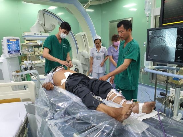 Cứu bệnh nhân chỉ còn cơ hội sống 5% trong ngày Thầy thuốc Việt Nam - 1