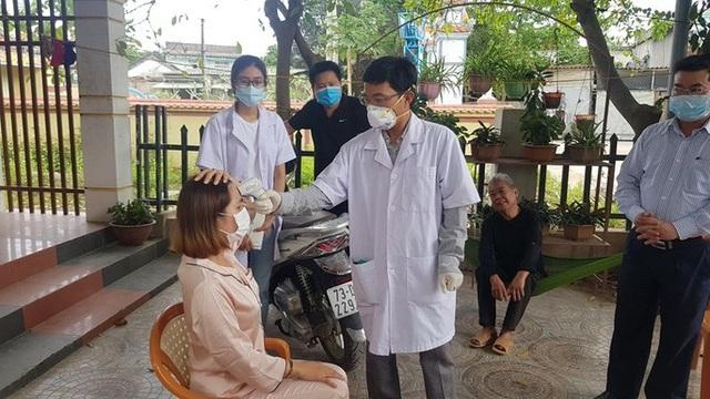 Theo dõi sức khỏe 9 cán bộ công an tiếp xúc gián tiếp với du khách Hàn Quốc - 2