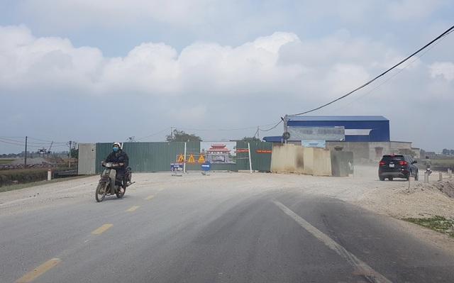 Huyện xây cổng chào 6 tỷ đồng nhưng không biết tồn tại đến bao giờ - 2
