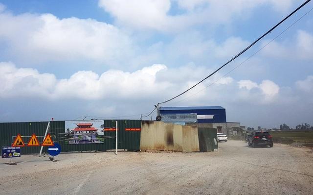 Huyện xây cổng chào 6 tỷ đồng nhưng không biết tồn tại đến bao giờ - 4