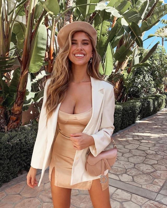 kara-del-toro-sexy-boobsin-hot-dress-7-1582878875843.jpg