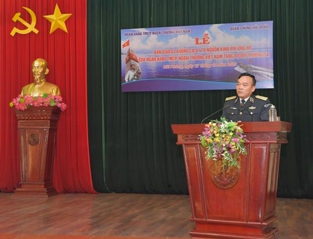 Vietcombank bàn giao 3 xuồng CQ-01 tặng bộ đội Trường Sa - 1