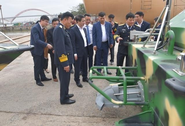 Vietcombank bàn giao 3 xuồng CQ-01 tặng bộ đội Trường Sa - 4