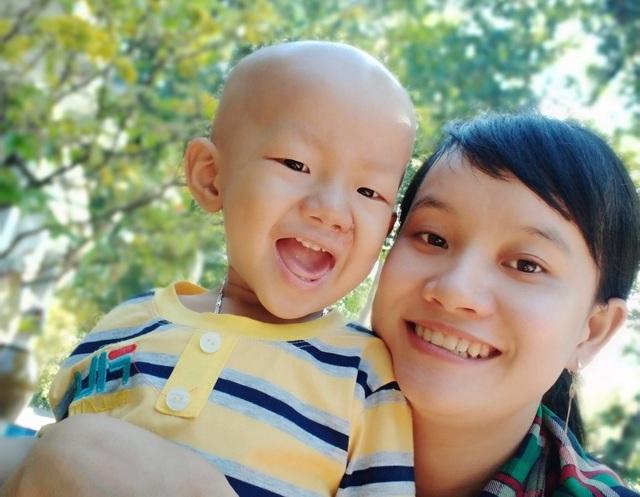 Bạn đọc Dân trí dang vòng tay nhân ái cứu bé 3 tuổi - 2