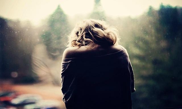 Tôi bị mắc kẹt trong mối tình đơn phương tay ba với bạn thân - 1