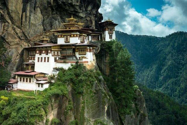 Loạt công trình kiến trúc được xây dựng ở nơi hiểm trở bậc nhất thế giới - 6