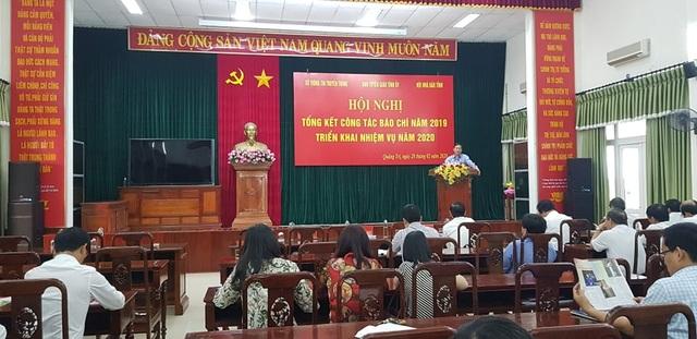 Phóng viên Báo Dân trí được UBND tỉnh Quảng Trị tặng Bằng khen - 2