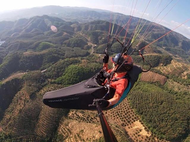 Thử nghiệm bay dù lượn ngắm cảnh trên đèo Con Ó - 7