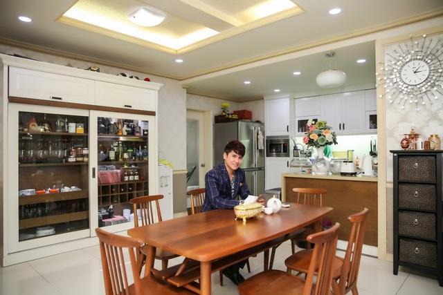 """Cận cảnh căn hộ cao cấp của """"Vua nhạc sàn"""" Lương Gia Huy - 2"""
