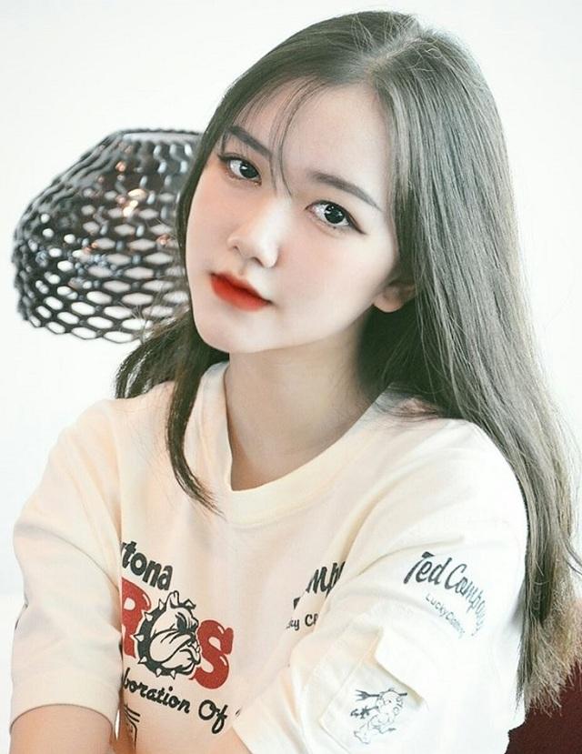 Thiếu nữ xinh nức tiếng Sài thành làm người mẫu khi 10 tuổi - 10