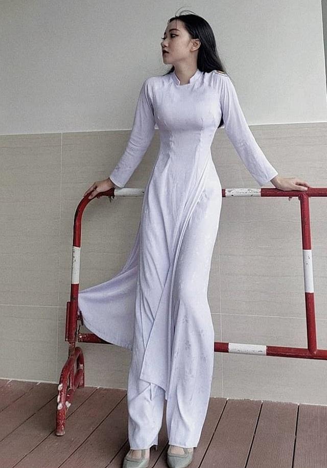 Thiếu nữ xinh nức tiếng Sài thành làm người mẫu khi 10 tuổi - 21