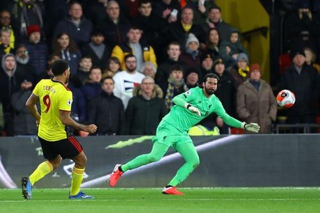 Những khoảnh khắc Liverpool bị quật ngã trên sân Watford - 13