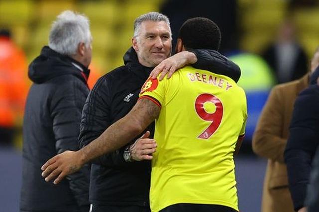 Những khoảnh khắc Liverpool bị quật ngã trên sân Watford - 16