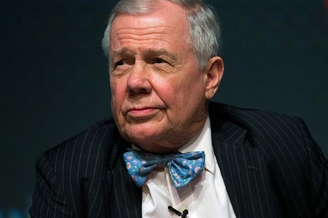 Giá vàng đổ dốc, cổ phiếu bán tháo, huyền thoại đầu tư Jim Rogers khuyên gì? - 1