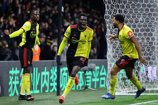 Những khoảnh khắc Liverpool bị quật ngã trên sân Watford - 10
