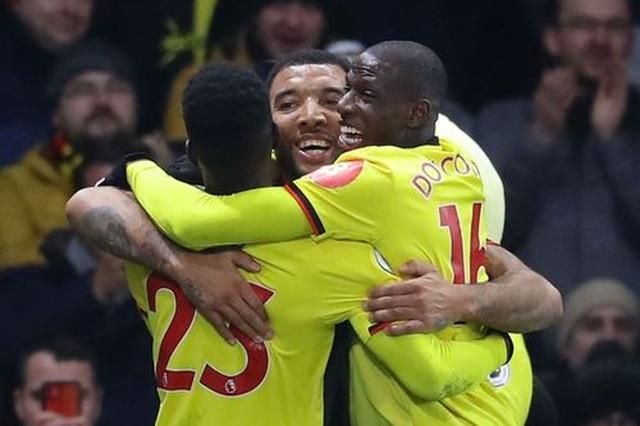 Những khoảnh khắc Liverpool bị quật ngã trên sân Watford - 14