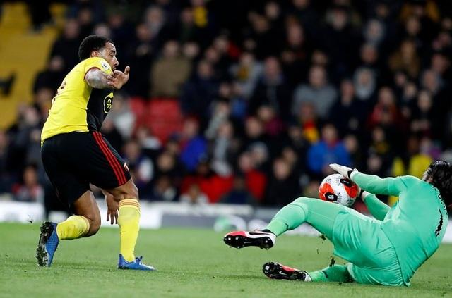 """Lovren, Alexander-Arnold trở thành """"tội đồ"""" trong thất bại của Liverpool - 1"""