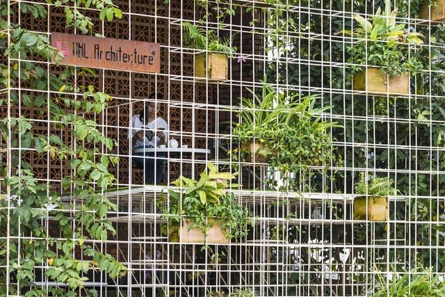 Bất ngờ nhà xưởng cũ hoang tàn ở Đà Nẵng đẹp như khách sạn sau cải tạo - 2