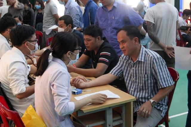 Chống Covid-19, hơn 1.000 công nhân, người lao động tình nguyện hiến máu - 2