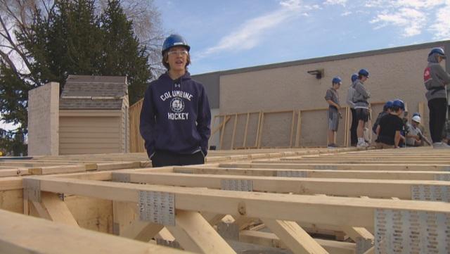 Mỹ: Học sinh trung học tham gia dựng nhà cho các gia đình nghèo - 2