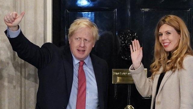 Thủ tướng Anh công bố đính hôn với bạn gái kém 24 tuổi - 1