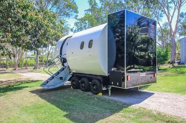 Độc đáo ngôi nhà đầy đủ tiện nghi giá 800 triệu được làm từ máy bay cũ - 5