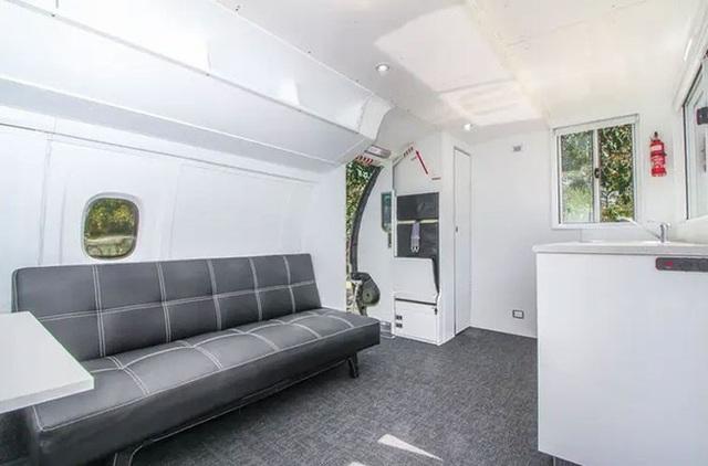 Độc đáo ngôi nhà đầy đủ tiện nghi giá 800 triệu được làm từ máy bay cũ - 10