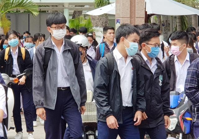 Khánh Hòa vắng hơn 1.000 HS trong buổi học đầu tiên sau đợt nghỉ tránh dịch - 3