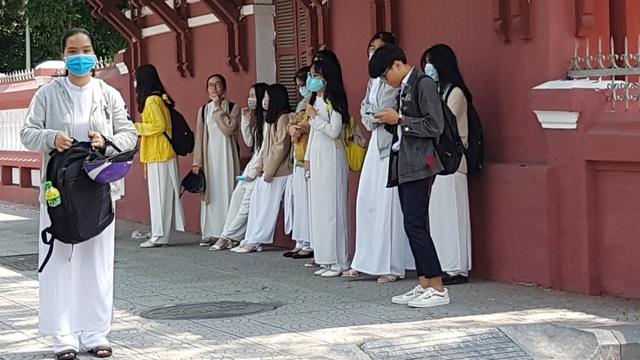 Chủ tịch tỉnh Thừa Thiên Huế kiểm tra công tác phòng dịch của nhà trường - 13
