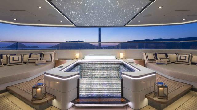 Chiêm ngưỡng nội thất xa hoa của siêu du thuyền đẳng cấp Amadea - 9