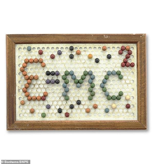 Bộ đồ chơi thời thơ ấu của thiên tài Einstein được rao bán hơn 1,3 tỷ đồng - 1
