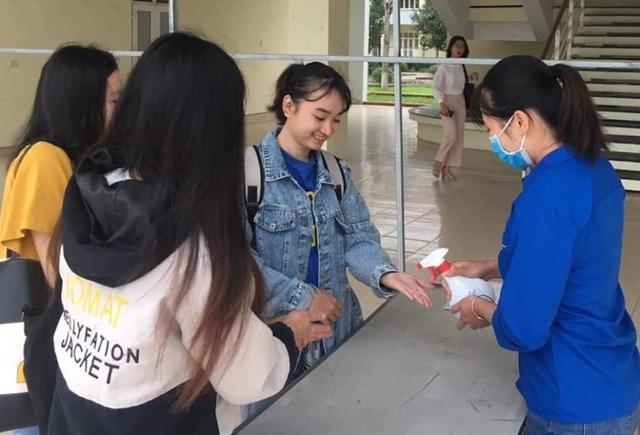 Trường học Thanh Hóa: 943 máy đo thân nhiệt, 24.566 vòi nước rửa tay - 2