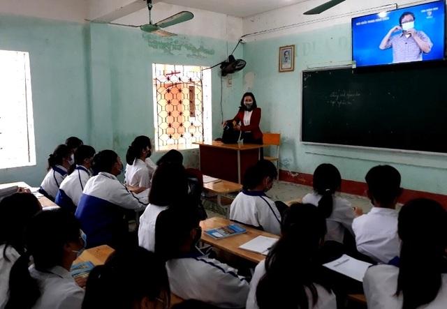 Trường học Thanh Hóa: 943 máy đo thân nhiệt, 24.566 vòi nước rửa tay - 6
