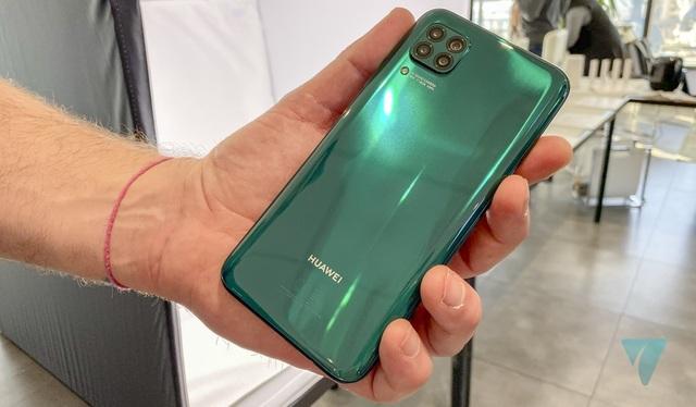 Cận cảnh Huawei P40 Lite với cụm 4 camera thiết kế giống... iPhone 12 - 5