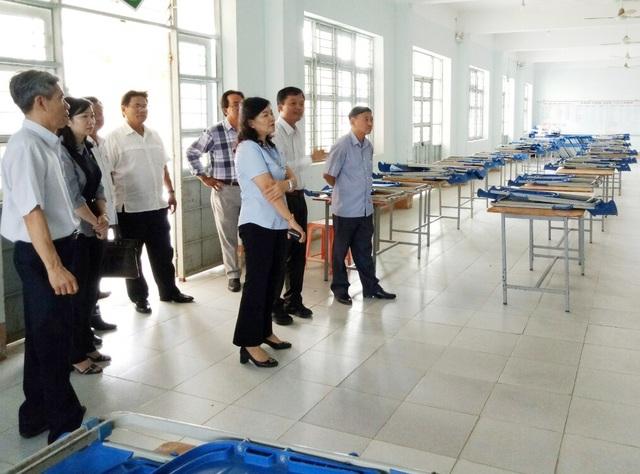 Phó Chủ tịch Bạc Liêu kiểm tra việc đi học trở lại của học sinh THPT - 5