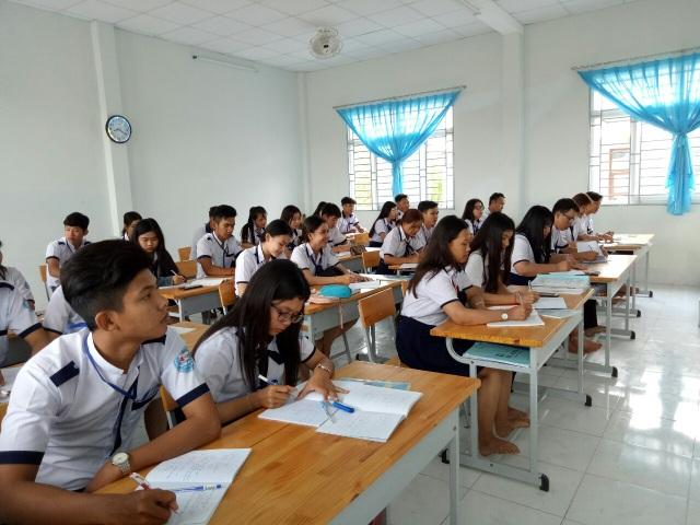 Phó Chủ tịch Bạc Liêu kiểm tra việc đi học trở lại của học sinh THPT - 2